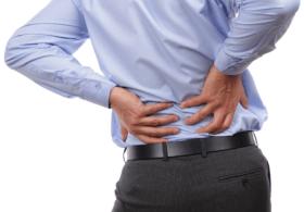 علاج آلام الظهر والعمود الفقري وأسباب حدوثها والوقاية منها